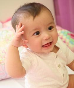bayi lucu bikin gemes semua orang