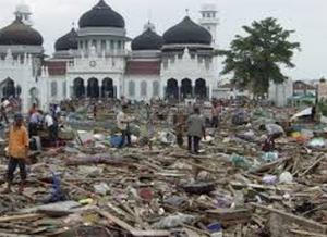 keajaiban mesjid walau kena tsunami tapi tidak apa apa