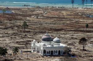keajaiban mesjid yang tidak hancur terkena tsunami