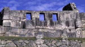 foto gambar bangunan kota tua yang unik dan mengagumkan