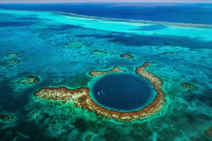 Giant Blue Hole pictures