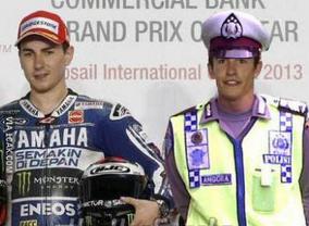 Super Funny MotoGP ROSSI VS MARQUEZ