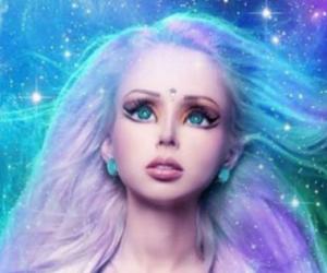6 Wanita Ini Mirip dan Berdandan Seperti Boneka Barbie