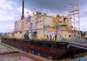Kapal apung yang di terjang tsunami, kini menjadi tempat wisata di punge blang cut banda aceh