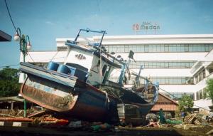 Pemerintah indonesia memperingati tsunami