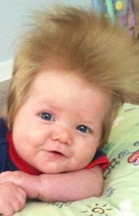 Bayi yang aneh... coba kamu bikin rambut bayi kamu seperti ini