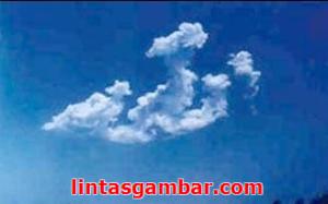 Lagi Lagi Lafaz Allah Tertulis indah, awan ini bertuliskan nama Allah