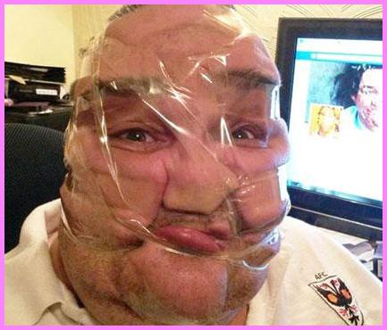 Gambar orang kurang kerjaan, muka sendiri di plaster segala, hehehe