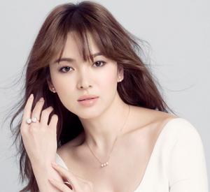 Artis Cantik Korea Song Hye-gyo